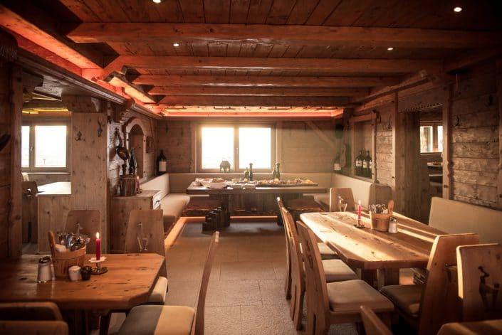 Die gemütliche Gaststube der Hornköpflhütte